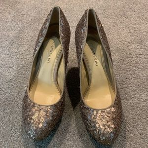 Size 8 Gianni Bini Rose Gold Sequined Stilettos